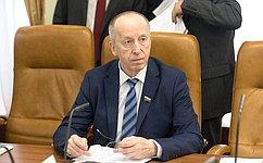 Е. Алексеев принял участие впарламентских слушаниях пообеспечению прав коренных малочисленных народов