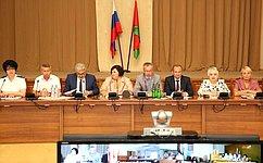И.Тихонова приняла участие взаседании областной комиссии поделам несовершеннолетних изащите их прав