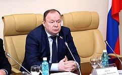 В. Лаптев принял участие воткрытии сквера «Дворцовый» вКуйбышеве Новосибирской области