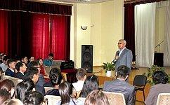 Законодатели должны чаще встречаться спредставителями молодого поколения жителей регионов—Б.Жамсуев