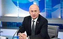О. Цепкин обсудил меры поддержки старшего поколения вЧелябинской области