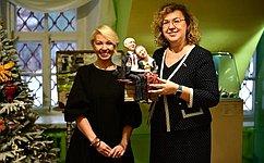 О. Епифанова приняла участие вторжественном открытии первого вМоскве Музея ватной игрушки