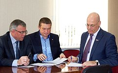 В.Круглый провел прием граждан вОрловской области ипосетил районную больницу города Ливны