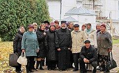 При содействии Д. Кривицкого для ветеранов Великой Отечественной войны организована экскурсия «Ксвятыням земли Новгородской»