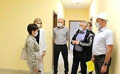 С. Михайлов оценил ход строительства новой школы на1100 мест вЧите