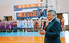 С. Михайлов: Школьная баскетбольная лига– отличный старт вбольшой спорт