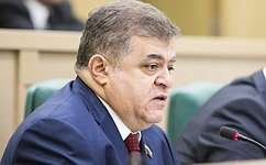 В. Джабаров: Призыв открыть гуманитарный коридор дает шанс наперемирие наУкраине