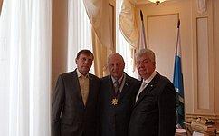 Э. Россель награжден высшим орденом М.Т. Калашникова