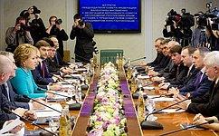 В. Матвиенко: Если народ Крыма проголосует завхождение всостав России, Совет Федерации поддержит такое решение
