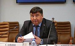 Л.Сафин провел совещание поразвитию деревянного домостроения вРоссийской Федерации