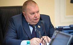 И. Панченко: Нужно способствовать активному развитию нефтегазовой отрасли, втом числе процессу импортозамещения
