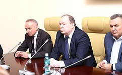 В. Лаптев: Нужно укреплять взаимодействие между всеми ветвями власти иобщественными организациями Новосибирской области