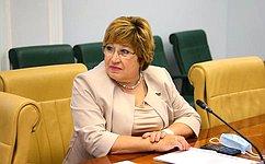О. Хохлова приняла участие взаседании рабочей группы попарламентскому контролю заобеспечением учащихся бесплатным горячим питанием