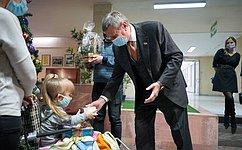 Сенатор С. Муратов исполнил детскую мечту