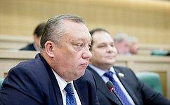 В. Тюльпанов иВ. Фёдоров предлагают арестовывать заезду водителей, неимеющих права управления транспортным средством