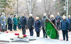 Н. Семисотов иС.Горняков почтили героев битвы под Сталинградом