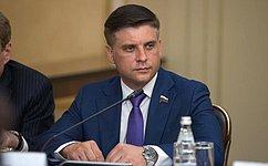Основную роль вохране общественного здоровья должны играть субъекты Российской Федерации— Ю.Архаров