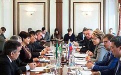 В. Матвиенко: Необходимо шире вовлекать представителей бизнеса врегиональное сотрудничество России иТуркменистана