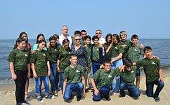 Группа сенаторов посетила детский оздоровительный лагерь «Байкальские волны» ивстретилась сошкольниками