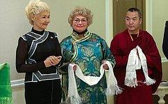 Д. Оюн открыла вСовете Федерации фотовыставку «Навстречу белому месяцу», приуроченную кпразднованию буддийского Нового года