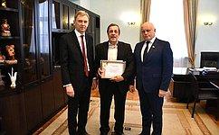 В. Назаров: Омскому народному хору оказана помощь вприобретении музыкального инструмента