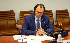 С. Лисовский: Мы отслеживаем исполнение решений поповышению эффективности развития отечественного семеноводства