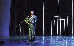 С.Лукин: Благотворительность нужна для поддержания социальной стабильности вобществе