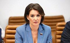 А. Попова поддержала позицию сенатора М.Павловой онеобходимости соблюдения добровольной вакцинации откоронавирусной инфекции