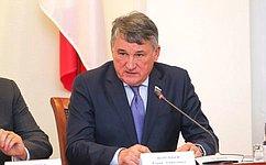 Вопрос олишении полномочий сенатора Р.Арашукова может быть поставлен наближайшем заседании СФ— Ю.Воробьев