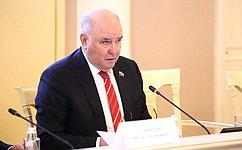 Сенаторы провели рабочую встречу спрезидентом Республики Татарстан