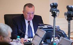В. Тюльпанов иВ. Федоров предложили проверить, насколько машины «скорой помощи» используются поназначению