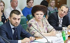 ВКомитете общественной поддержки жителей Юго-Востока Украины обсудили вопросы размещения беженцев иподготовки кначалу учебного года
