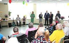 Необходимо разработать комплекс мер для создания достойных условий жизни пожилых людей— В.Матвиенко