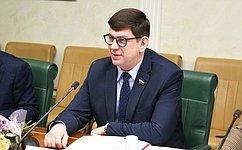 В. Смирнов: Важен системный подход крешению вопросов воспитания исоциализации подрастающего поколения