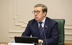А. Майоров: ВРеспублике Калмыкия продолжается реализация программы переселения изаварийного жилья