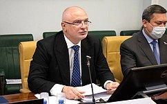Профильный Комитет СФ поддержал изменения взаконодательство, направленные назащиту интересов российских граждан зарубежом