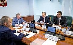 В. Рязанский: Правовой акт гарантирует работникам право выбирать кредитную организацию для перечисления заработной платы