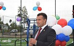 Э. Исаков: ВЮгре развивается инфраструктура для занятий физкультурой испортом, втом числе для людей синвалидностью