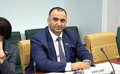 М. Ахмадов рассказал опослаблении режима ограничительных мер вЧеченской Республике, введенных всвязи скоронавирусом