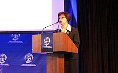 Проблемы подготовки педагогических кадров нельзя рассматривать без взаимосвязи ссоциальной политикой— Е.Попова