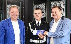 А. Кутепов вручил награды победителям Международного турнира помини-футболу среди детских домов ишкол-интернатов
