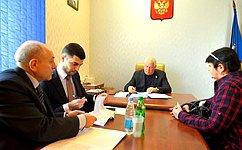 О. Селезнёв обсудил сжителями Майкопа социальные вопросы, темы сохранения экологии, проведения капитального ремонта