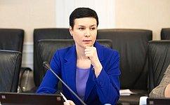 И. Рукавишникова предложила учителям решить врежиме онлайн, откакой «бумажной» нагрузки их нужно избавить