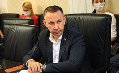 О. Алексеев: ВСаратовской области внынешнем году должны получить жилье почти 600 детей-сирот