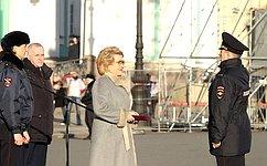 В.Матвиенко приняла участие вцеремонии передачи ГУ МВД России поСанкт-Петербургу иЛенобласти нового автотранспорта