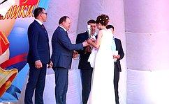 В.Лаптев поздравил выпускников школ Куйбышевского района Новосибирской области сокончанием школы