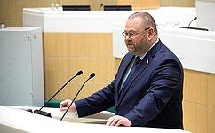 О. Мельниченко: Устанавливаются важные гарантии деятельности региональных имуниципальных депутатов
