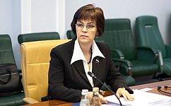 Е. Попова обсудила вопросы финансирования строительства изакупок жилья для детей-сирот