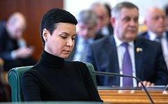И.Рукавишникова представила позицию Совета Федерации вКонституционном Суде РФ