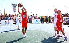 Д. Азаров: Спортивный, здоровый образ жизни граждан– залог процветания нашей страны